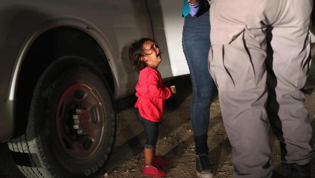 Border children: Immigrant families in crisis